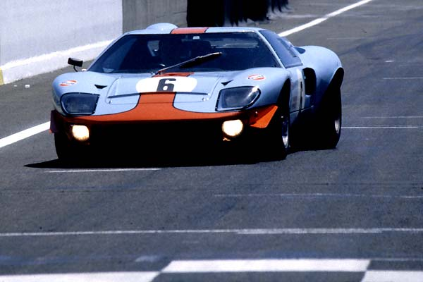 Jacky Ickx Ford GT40
